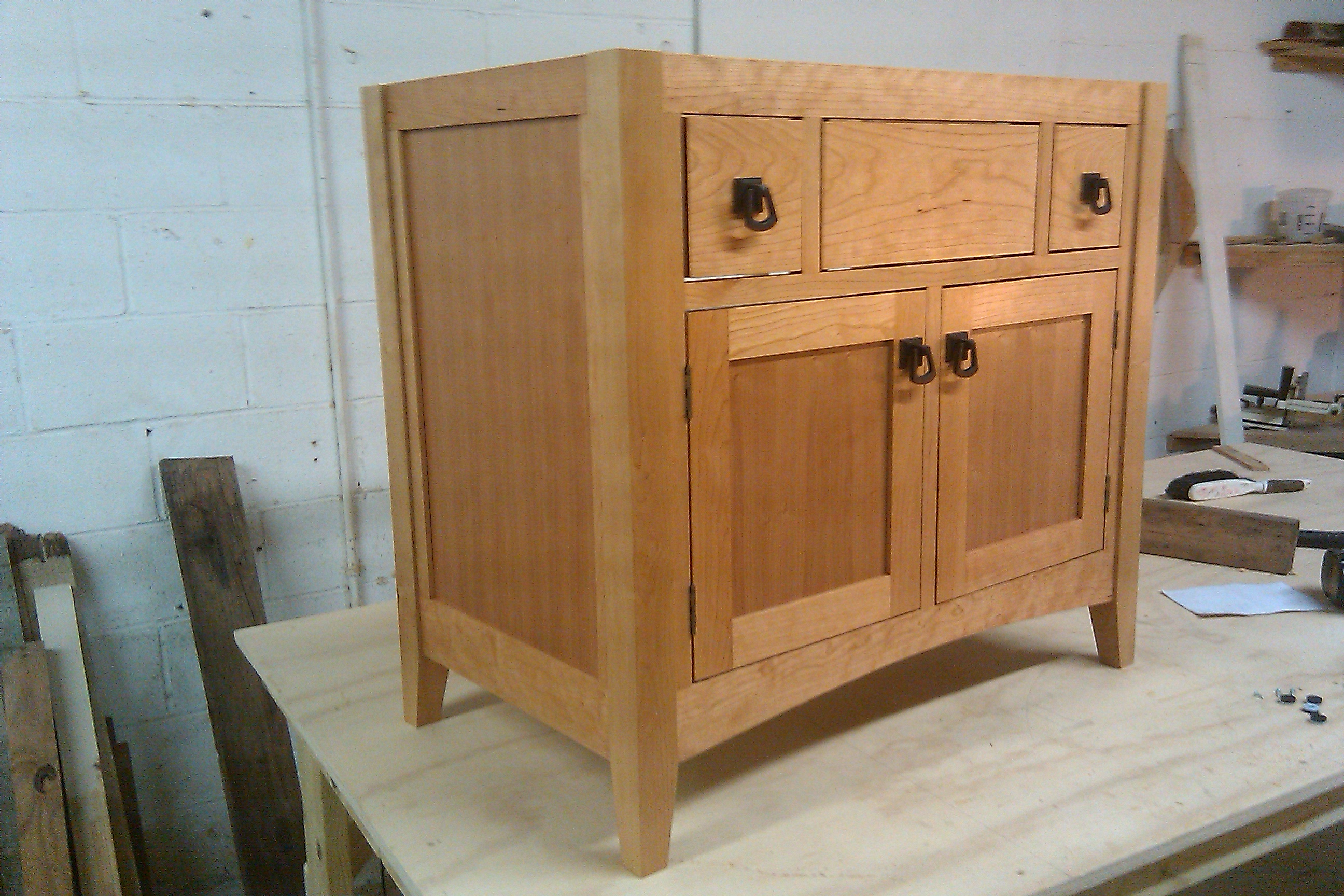 Vanity Shop Finish. Jeremiah Goodwin Woodcraft Craftsman Vanity